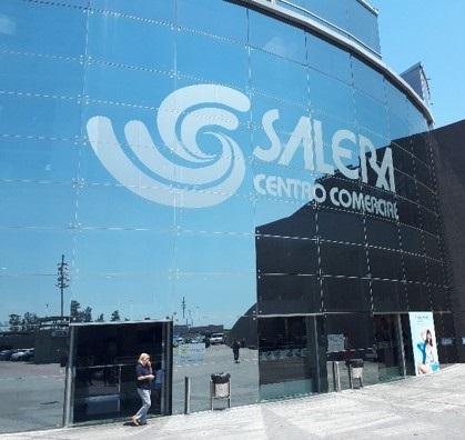 Ampliación y Reforma del Centro Comercial La Salera